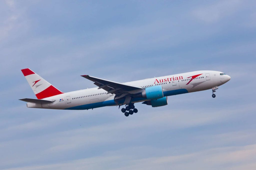 Austrian Airlines Flight and Lounge Review and Trip Report