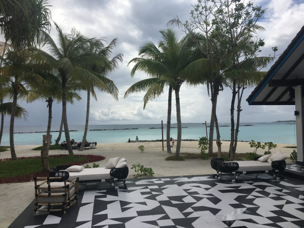 SAii Lagoon Curio Collection by Hilton Review
